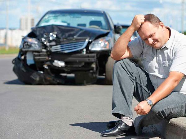 Хто компенсує шкоду, завдану корпоративним автомобілем?